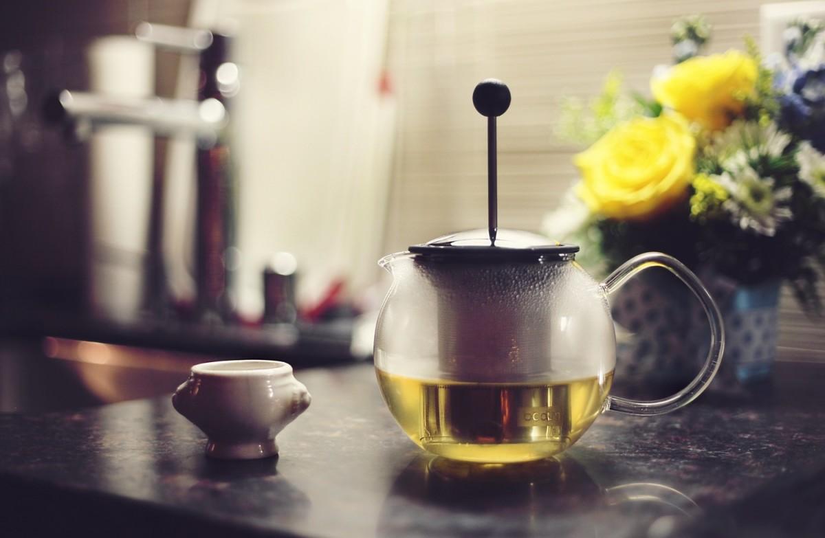Come si serve il tè? Ecco le 3 regole d'oro