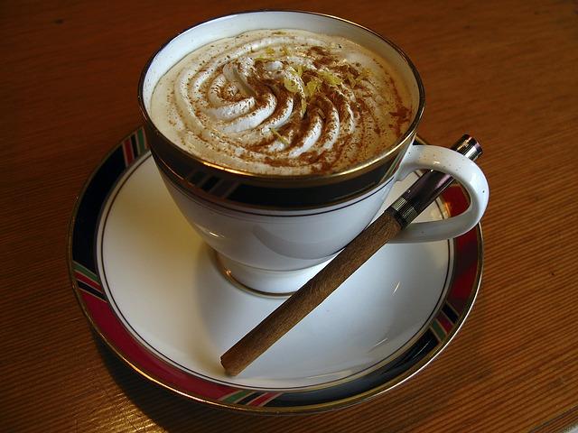 """Latte Art non è """"un ghirigoro"""""""